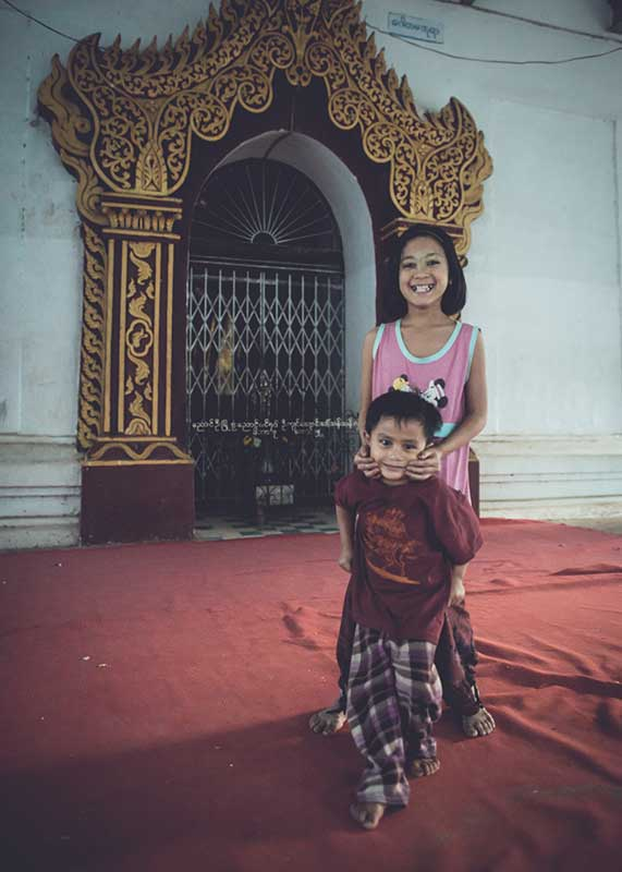 kids playing in Shwezigon Pagoda