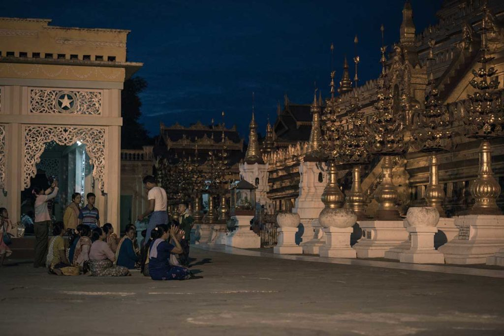 night praying in Shwezigon Pagoda